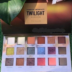 Focallure Twilight Eyeshadow Palette